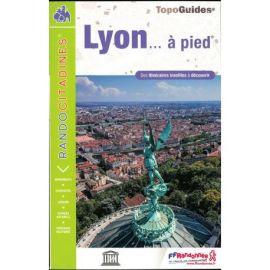 LYON VI08 A PIED
